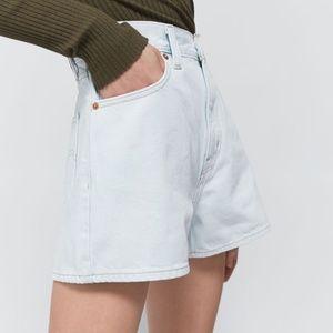 NEW Levi's | Light Wash High Rise Shorts Size 29
